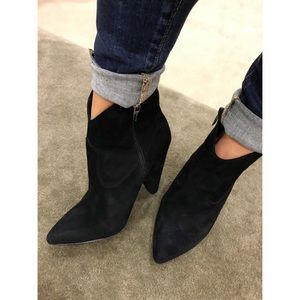 New Vince Camuto Movinta Bootie Black 9M